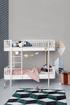 Oliver Furnituren Wood-malliston kerrossänky, tikkaat sivulla, Valkoinen/tammi