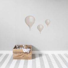 Seinätarrat, Powder beige balloons